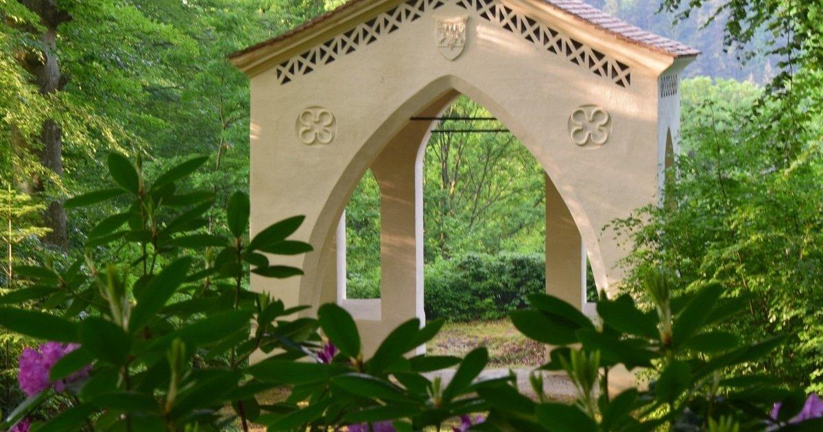 Burg Feistritz Austria - Castle Park Garden Detail